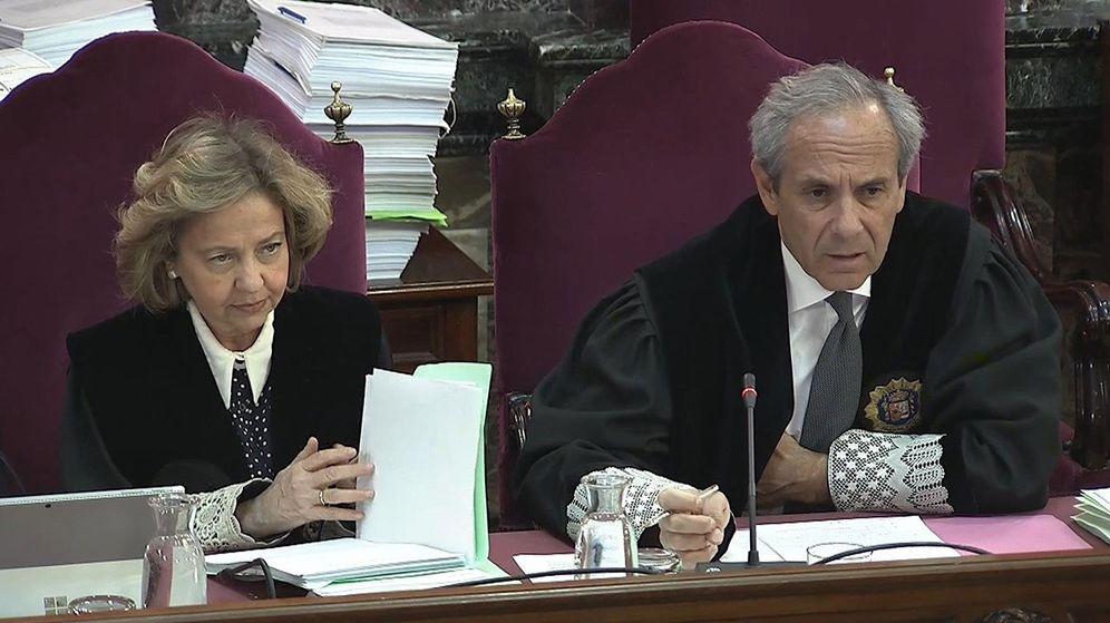 Foto: La fiscal Consuelo Madrigal (i) y el fiscal Javier Moreno (d), durante la vigésima jornada del juicio del 'procés'. (EFE)