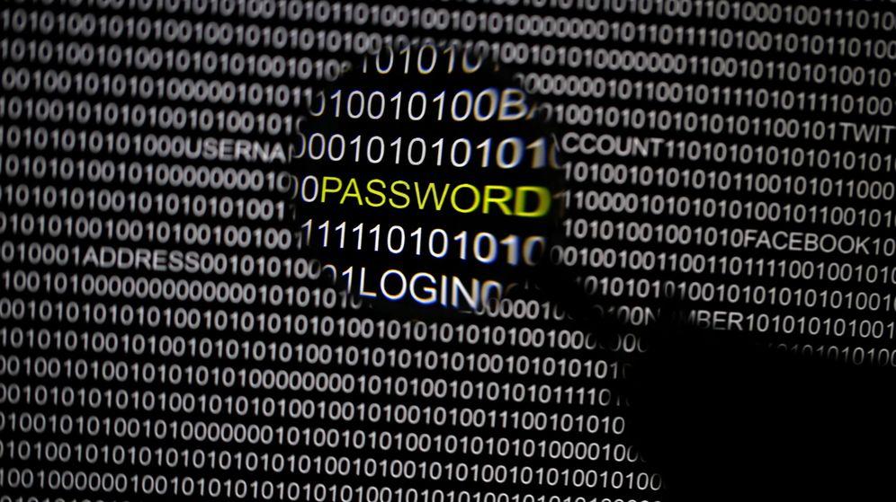 Foto: Cada persona utiliza varias contraseñas para sus diversos perfiles y cuentas en internet (Reuters/Pawel Kopczynski)