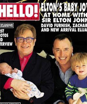 Elton John presenta a su hijo en la revista Hello