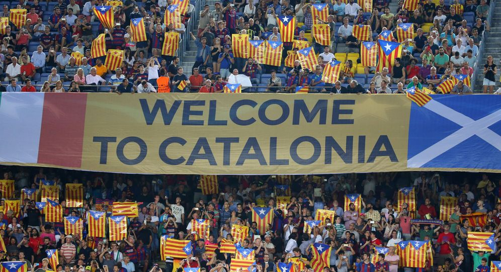 Foto: Las esteladas invadieron las gradas del Camp Nou una vez más. (Reuters)