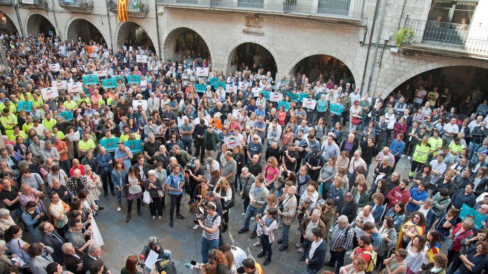 Manifestantes de la ANC pasan la noche en la sede de la CE en Barcelona