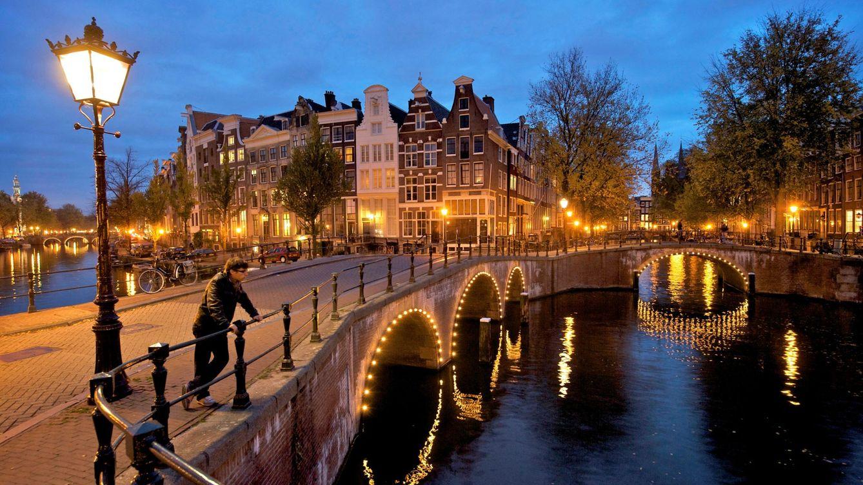 Recorriendo Ámsterdam, sus canales y restaurantes