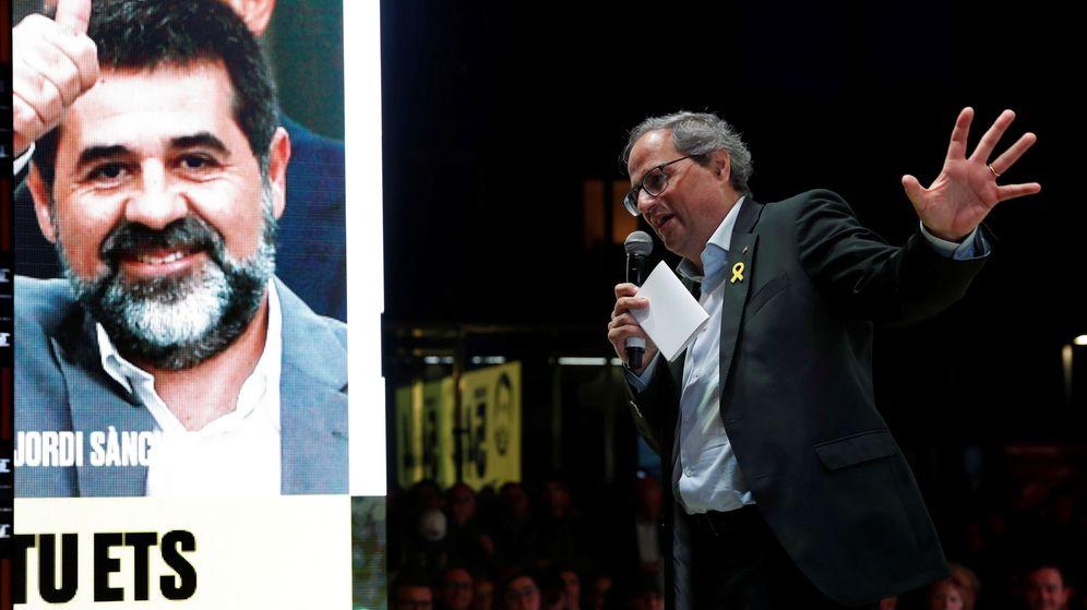 Foto: El presidente de la Generalitat, Quim Torra, durante el acto de cierre de campaña de JxCAT. (EFE)