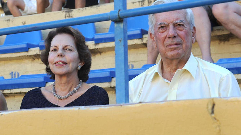 Foto: Patricia junto a Mario Vargas Llosa (Gtres)
