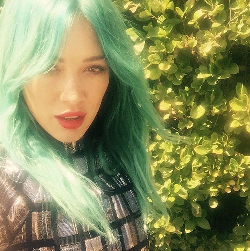 Foto: La cantante Hilary Duff presume de pelo verde en Instagram