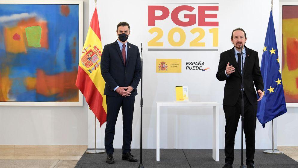 Foto: Pedro Sánchez y Pablo Iglesias, en la presentación de los PGE. (EFE)