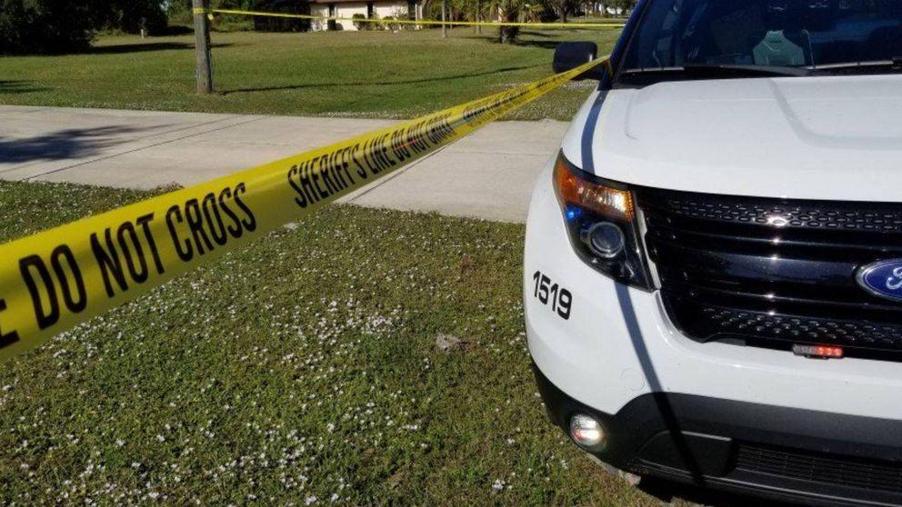 Un niño de 15 años muere al defender a su hermana pequeña de un ladrón en su casa