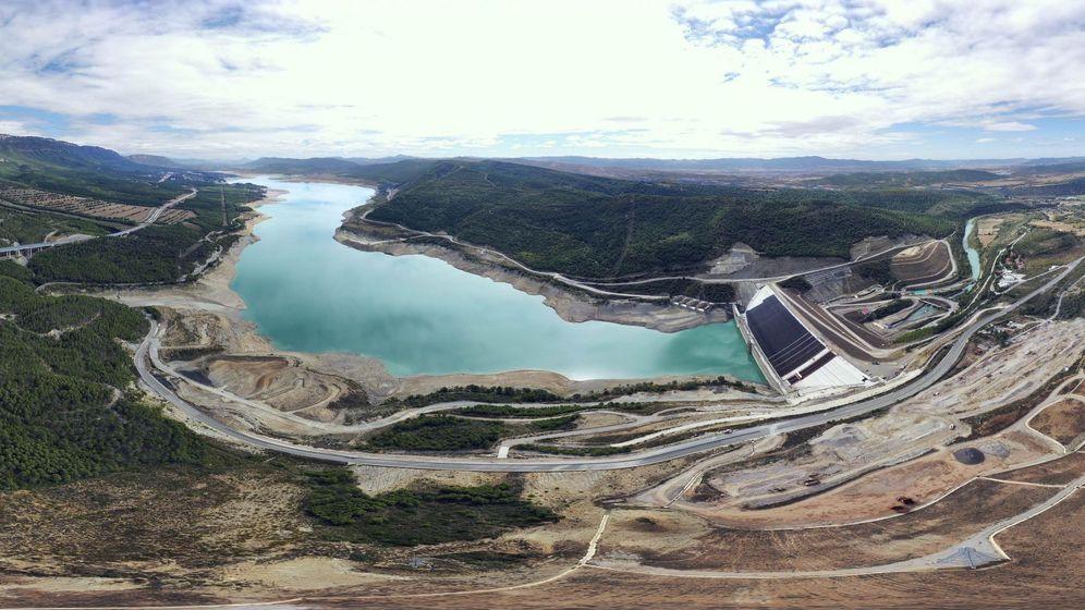 Foto: Pantano del Ebro en Yesa. (EFE)