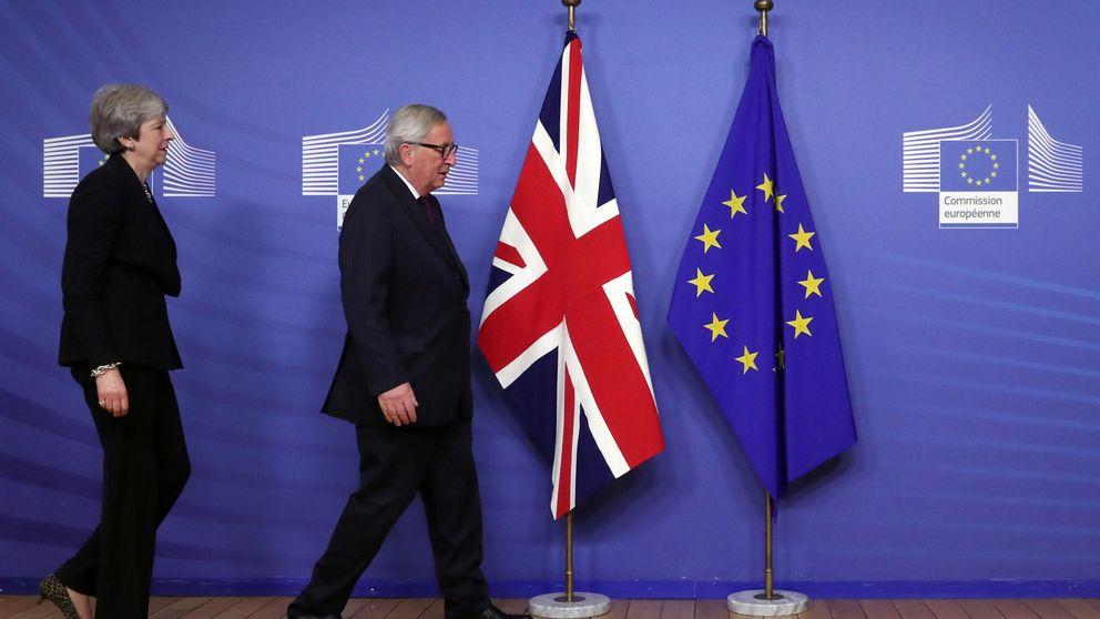 May avanza milímetro a milímetro con el Brexit en su visita a Bruselas