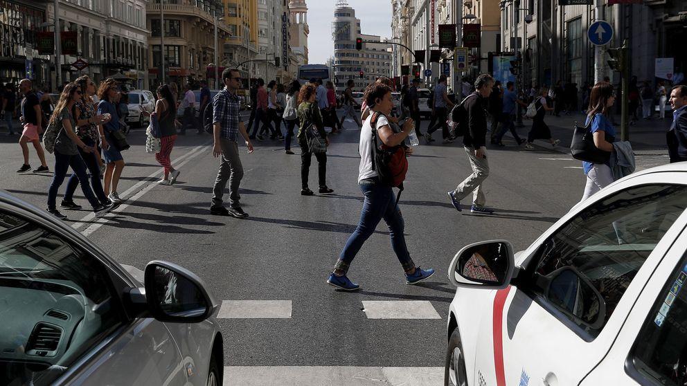 La nueva Gran Vía, en Navidad: 30 km/h, 2 carriles más de peatones, vallas sólidas