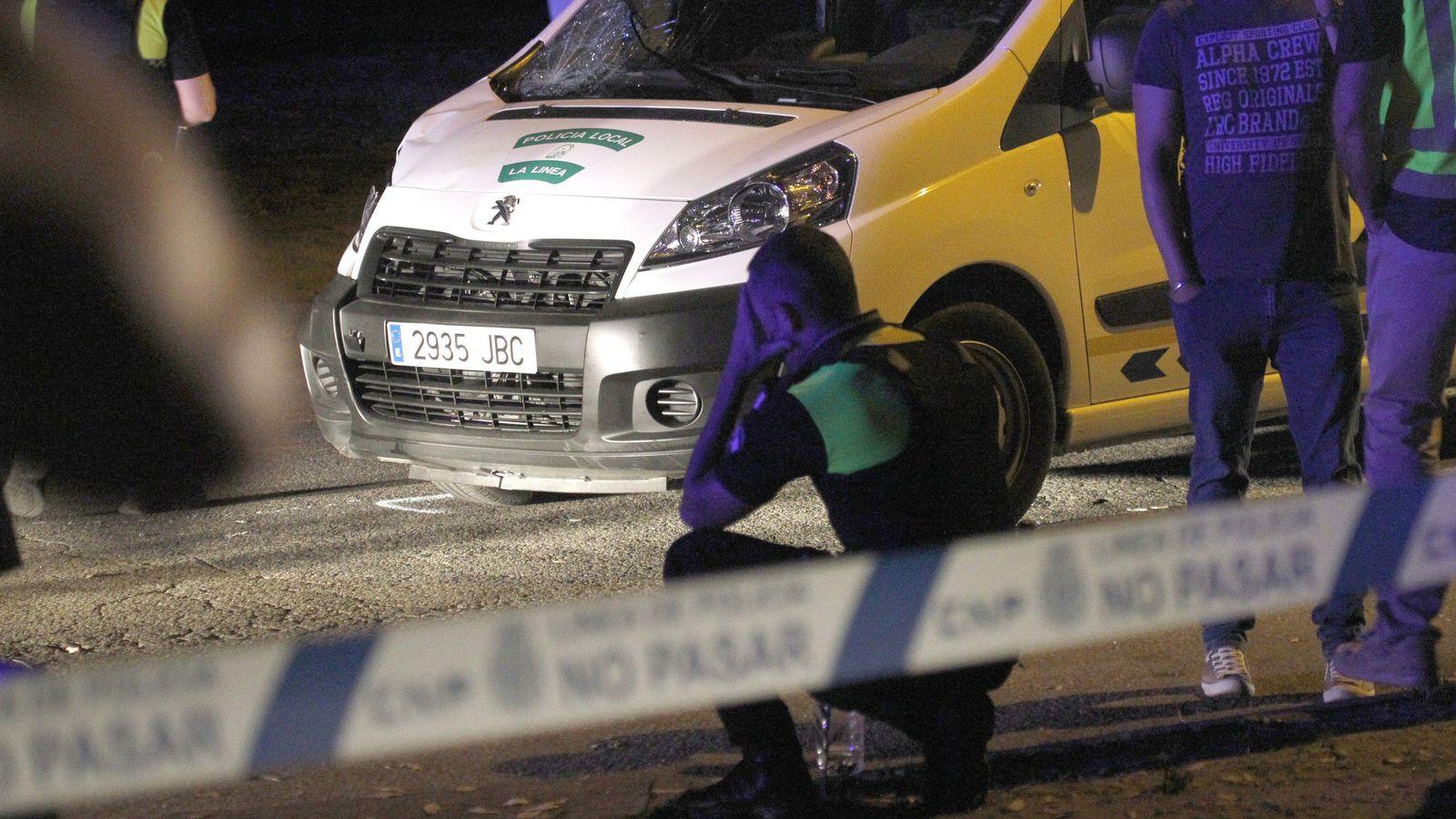 Foto: Un agente de La Línea (Cádiz) ha fallecido en dicha localidad durante una persecución. (EFE)