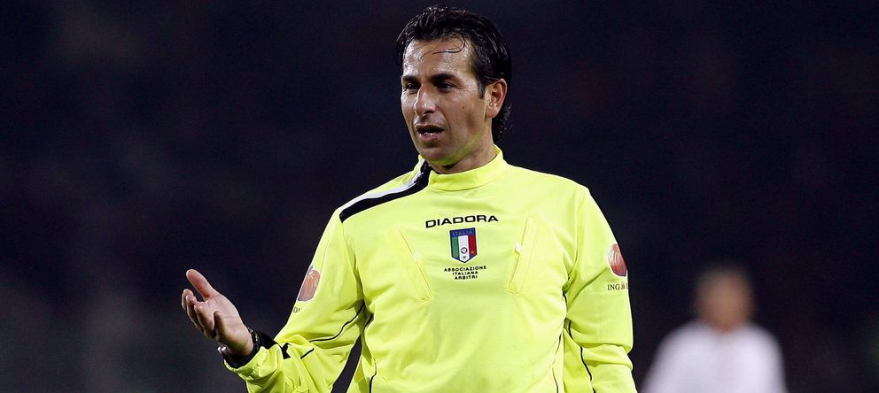 Foto: Gianluca Paparesta en su época como árbitro (Imago).