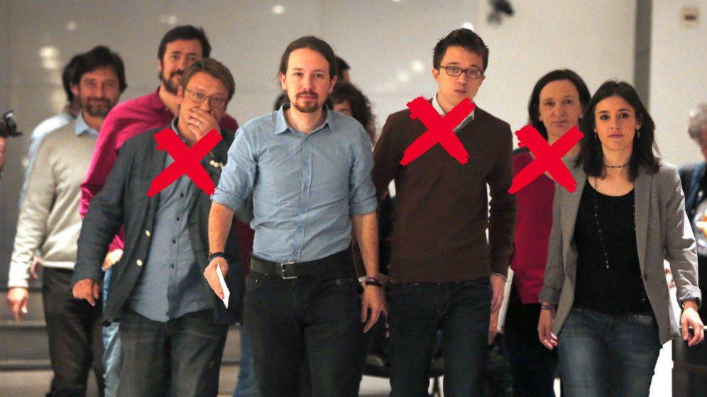 Foto: El líder de Podemos, Pablo Iglesias, junto a Íñigo Errejón, Xavier Domènech, Irene Montero y Carolina Bescansa, entre otros miembros del partido. (EC)