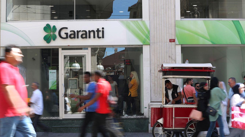 Turquía prohíbe los cortos sobre Garanti (BBVA) y otros seis bancos