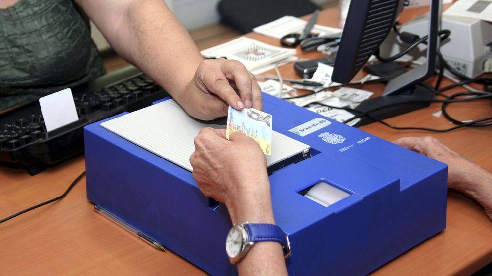 Subida de precio en el dni y el pasaporte cuestan desde hoy uno y cuatro euros m s - Ministerio del interior renovacion dni ...