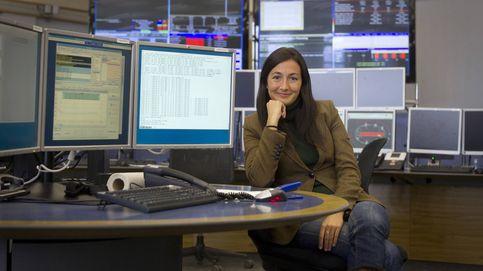 Del CERN a superventas: la española que arrasa con sus novelas de física para jóvenes