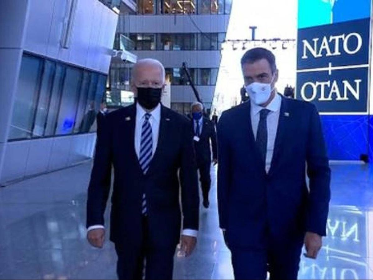 Foto: Joe Biden y Pedro Sánchez, durante su breve encuentro en la reciente cumbre de la OTAN. (Mediaset)