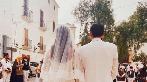 Vestida de Valentino y en Ibiza: la espectacular boda de la heredera de Fendi ante 250 invitados