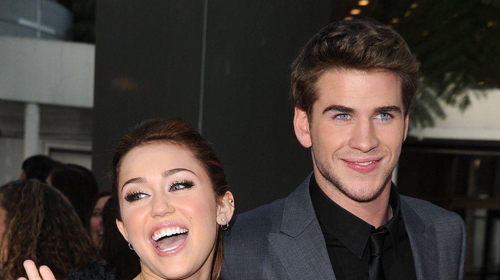 Foto:  Miley Cyrus y Liam Hemsworth, al poco de empezar a salir. (Getty)