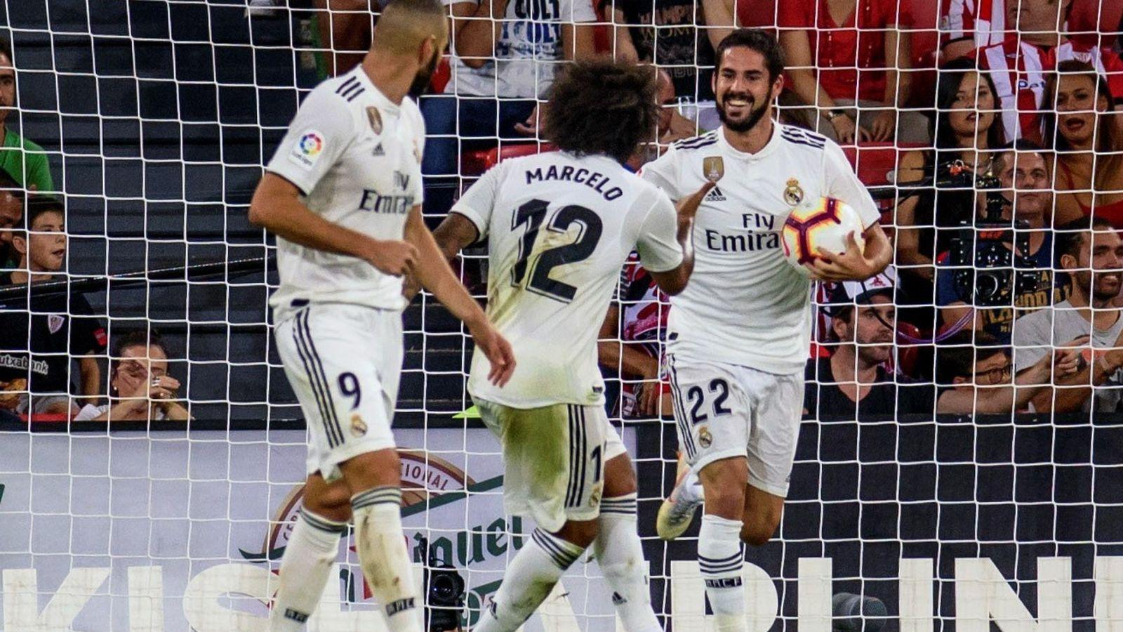 Foto: Marcelo celebra el gol que marcó Isco contra el Athletic de Bilbao en San Mamés. (Efe)