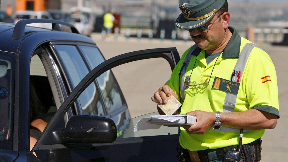 Por qué la DGT embarga cuentas bancarias por multas de tráfico, según denuncia AEA