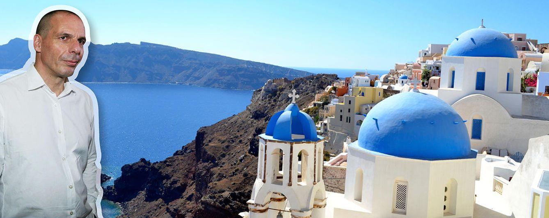 Foto: El exministro de Finanzas griego, Yanis Varufakis, tiene una casa en la isla de Egina. En la imagen, la de Santorini (Vanitatis)