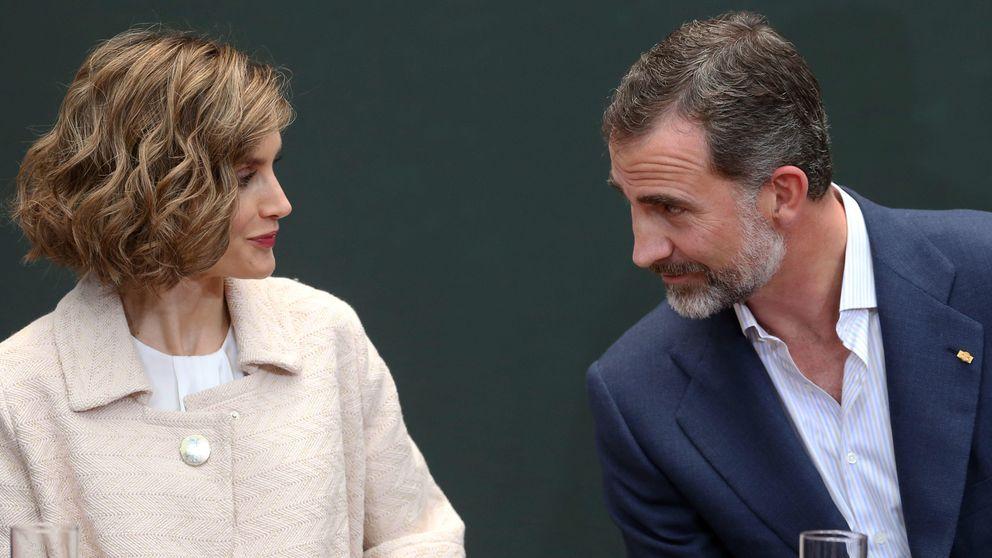 Don Felipe y Doña Letizia: tú al cine y yo de concierto