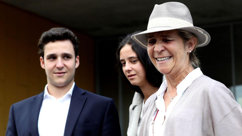 Froilán, Victoria Federica y su madre, la infanta doña Elena. (EFE)