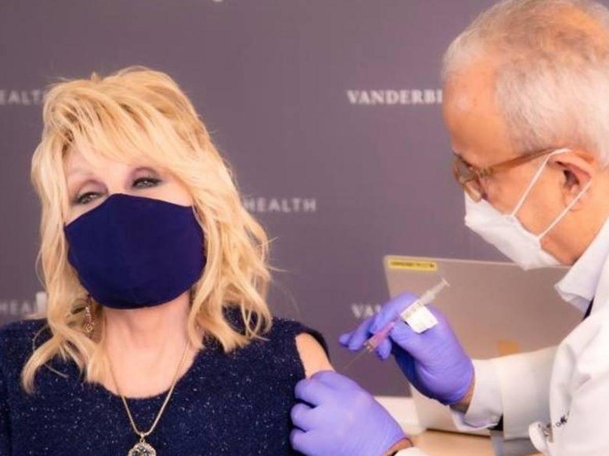 """Foto: La cantante pide los """"cobardes"""" del mundo que salgan y dejen que les administren la dosis (Twitter)"""