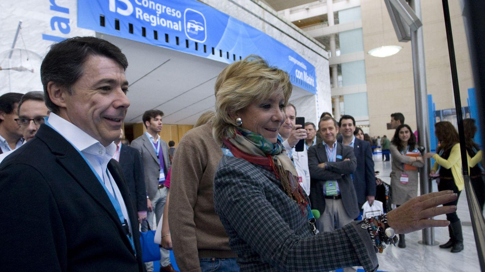 Foto: Ignacio González y Esperanza Aguirre, en la apertura del XV Congreso del PP de Madrid. (EFE)
