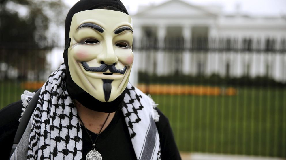 Anonymous declara la guerra total a Trump por sus actos e ideas terribles