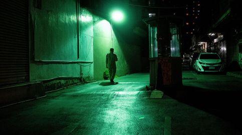 Viaje a los antros más oscuros de la noche tailandesa, que desafían al Gobierno y al covid