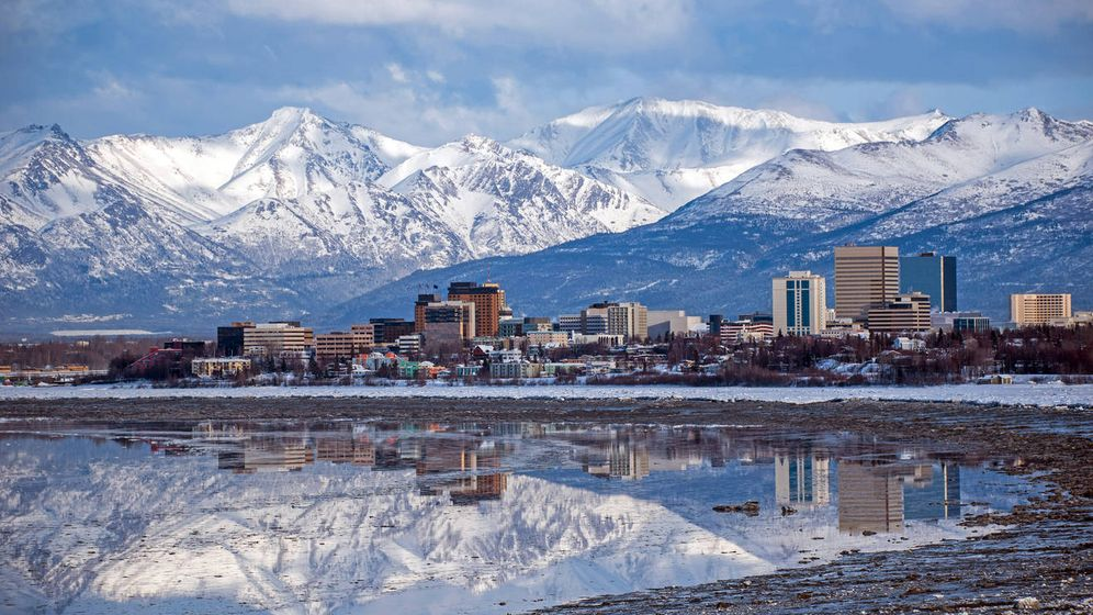 Foto: Una preciosa vista del horizonte de Anchorage, en Alaska. (iStock)