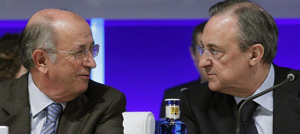 Foto: El presidente de, ACS Florentino Pérez (d), y el vicepresiente, Pablo Vallbona. (EFE)