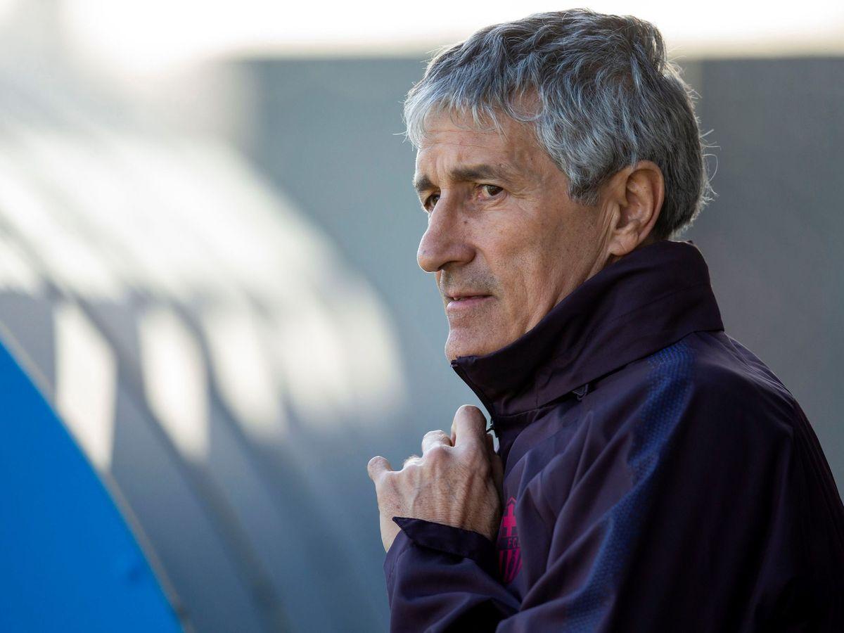 Foto: Quique Setién, este miércoles en el entrenamiento del Barcelona. (EFE)