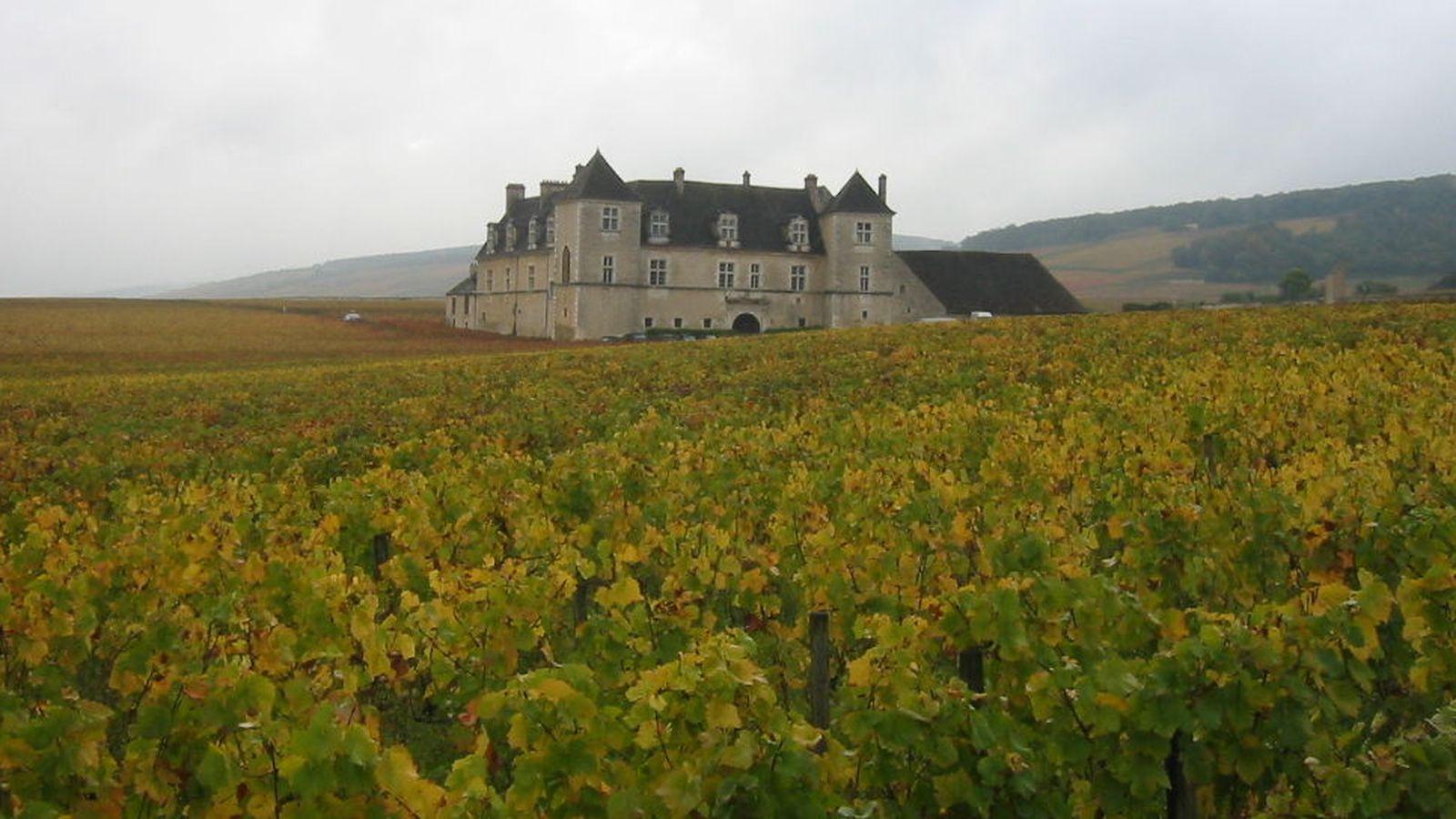 Foto: El Château du Clos de Vougeot, la morada 'tastevin'. (Wikipedia)