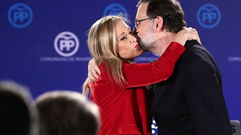 Cifuentes lo tiene claro: solo dimitirá si se lo pide personalmente Rajoy