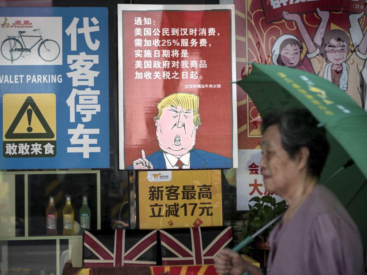 Foto: Caricatura de Donald Trump en un restaurante en Guangzhou, China. (Reuters)