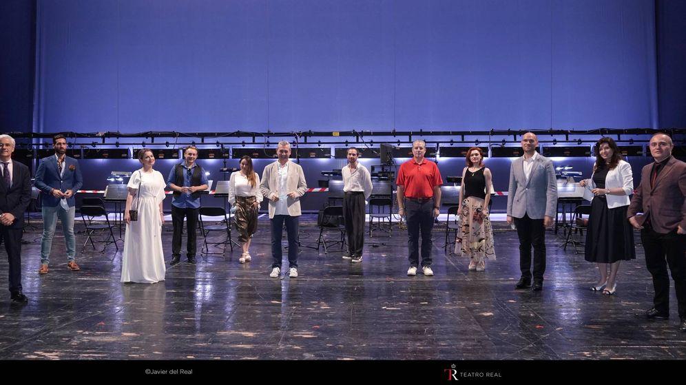 Foto: El elenco de 'La Traviata' en el Teatro Real