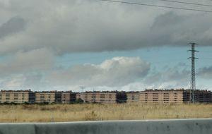 Seseña, el emblema de la burbuja inmobiliaria, confía en que el PP dé vida a la ciudad fantasma