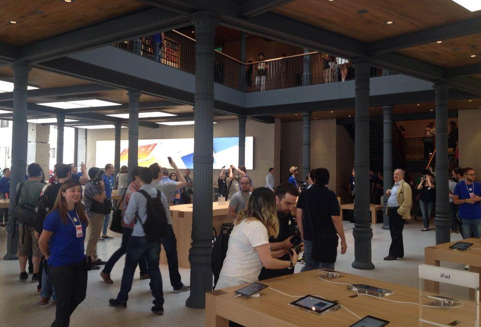 Foto: La tienda de Apple en el número 1 de la Puerta del Sol