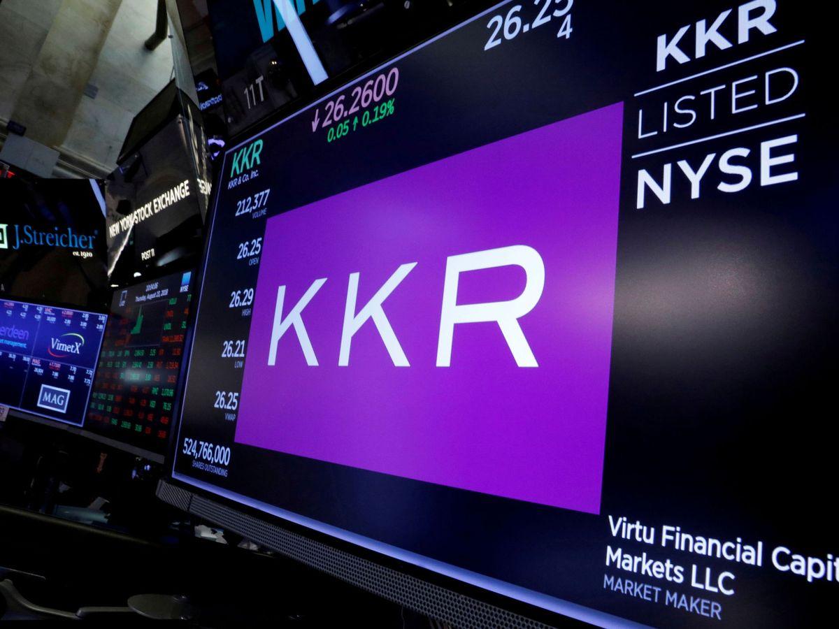 Foto: El logo de KKR en una imagen de 2018. (Reuters)