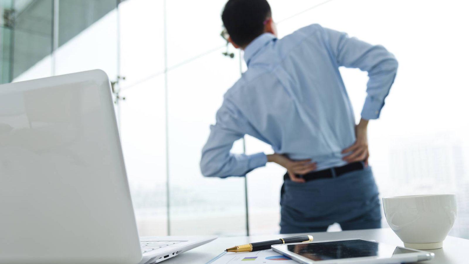 Salud dolor de espalda los ejercicios qu debes hacer for Sillas de oficina para problemas de espalda