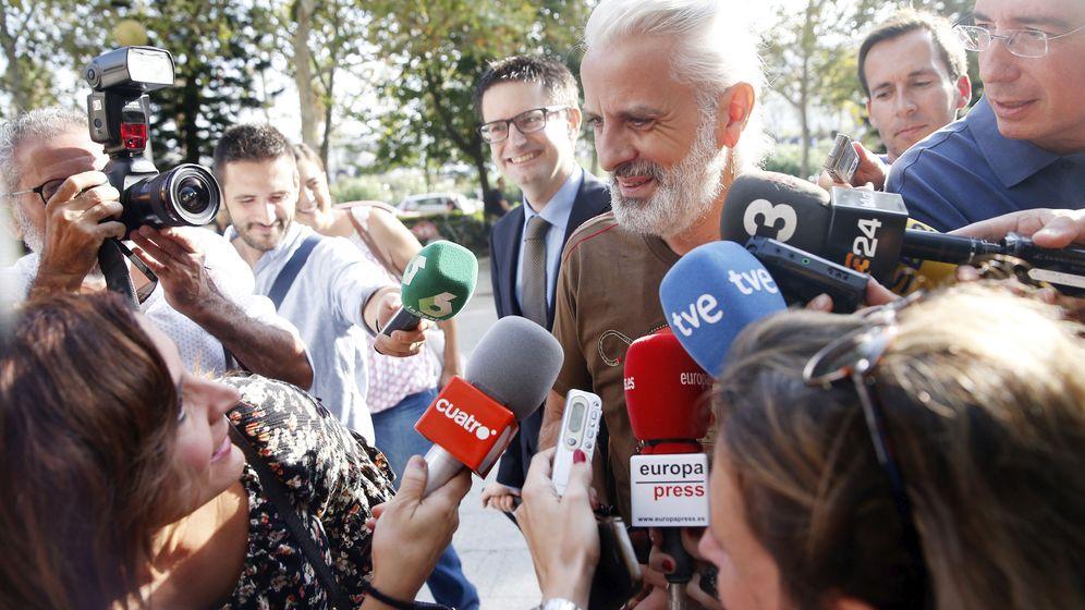 Foto: Marcos Benavent, este jueves a su llegada a la Ciudad de la Justicia de Valencia. (Efe)
