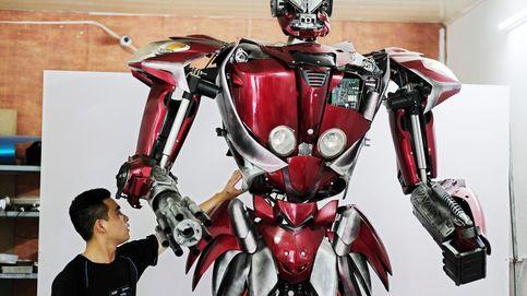 Un robot a partir de piezas de vehículos reciclados