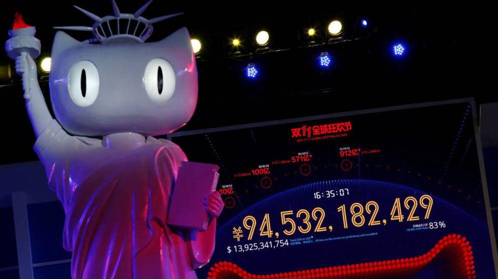 Foto: Una pantalla gigante muestra la frenética actividad que registra Alibaba durante el Single's Day (Reuters)