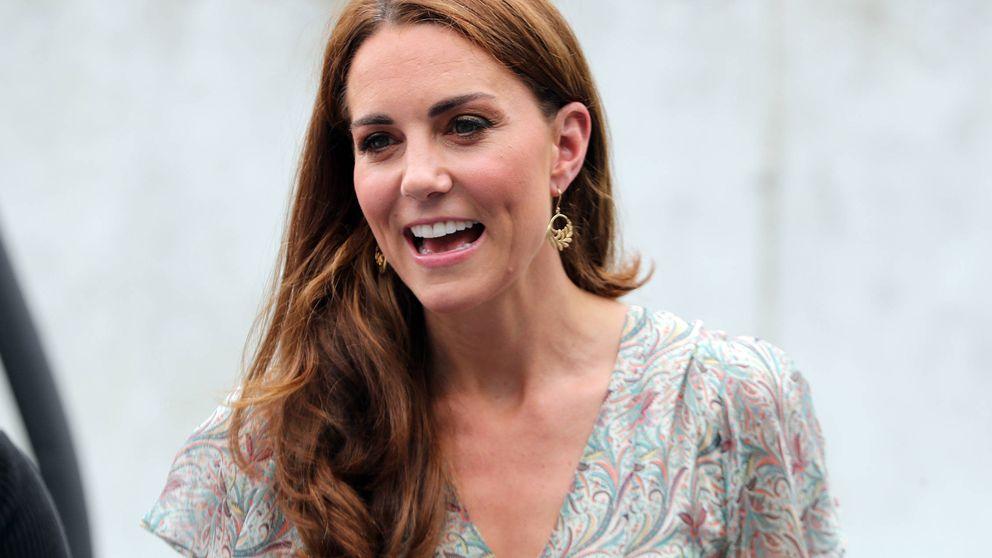 Vestido veraniego y cuñas españolas: el look más relajado de Kate Middleton