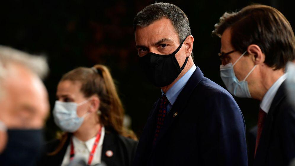 Foto: Pedro Sánchez, tras una de las reuniones que se han celebrado durante la cumbre. (Reuters)