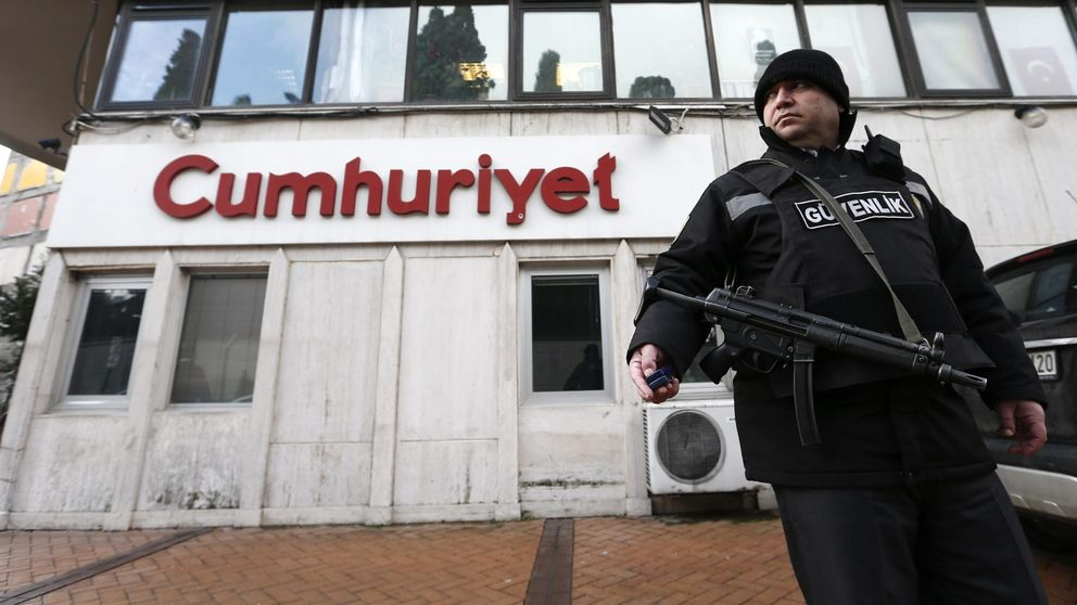 Detenidos dos periodistas turcos por el vídeo del envío de armas a Siria