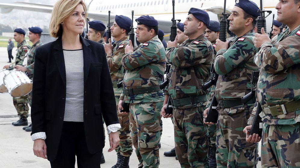 Foto: La ministra de Defensa, María Dolores de Cospedal, a su llegada a Líbano. (Efe)